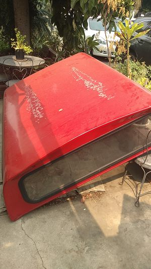 ARE red camper shell for Sale in Los Angeles, CA