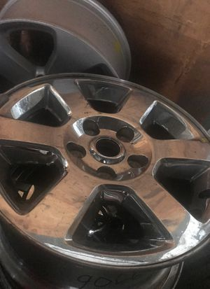 1 Jeep camander wheel chrome clad Hollander 9066 for Sale in Farmingdale, NY