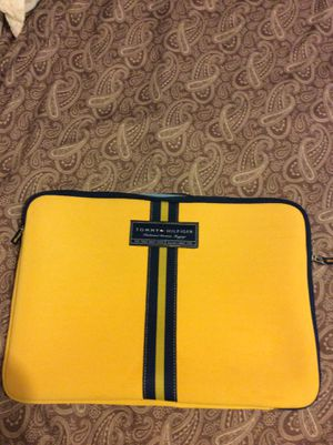 """Tommy Hilfiger Laptop Sleeve Pouch Bag Yellow With Blue Stripe 14.5"""" x 10"""" Preowned in good condition. Gently used for Sale in Aurora, CO"""