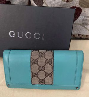 Gucci wallet for Sale in Warminster, PA