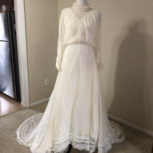 Vintage Wedding Dress for Sale in Elkridge, MD