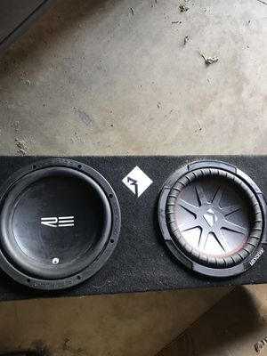 2 10in subwoofers in a sealed box for Sale in Columbus, OH