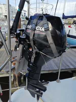Mercury 9,9 outboard 4 stroke for Sale in Fort Myers Beach, FL