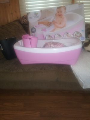 Luxurious whirlpool and shower baby tub for Sale in Saint Petersburg, FL
