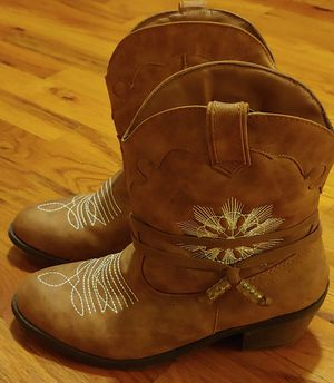 Girls size 6 cowboy boots like brand new worn once for Sale in Pittsburgh, PA