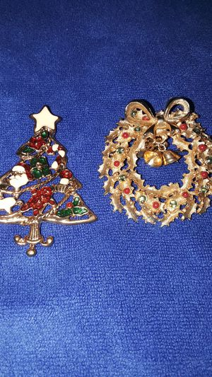2 Christmas Brooches for Sale in Grand Terrace, CA