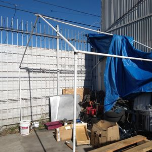 Tent ⛺ About 12x10x8 Carpa With Cover for Sale in Los Angeles, CA