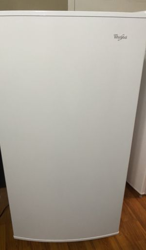 Like new whirlpool freezer for Sale in Charlotte, NC