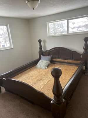 King size bed frame for Sale in Elyria, OH