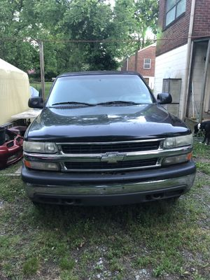 01 Chevy Tahoe 4x4. Bad transmission. Price is negotiable for Sale in Nashville, TN