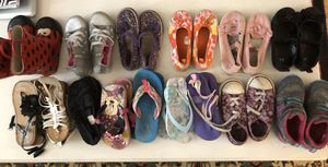 15 pairs of girls size 10 shoes sandals flip flops for Sale in West Palm Beach, FL