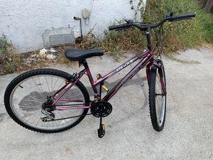 Sierra Quest Mountain Bike for Sale in Los Angeles, CA