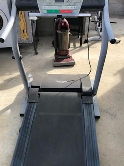 Nordictrack C 1800S Treadmill for Sale in Upland,  CA