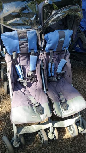McLaren double umbrella stroller for Sale in East Brunswick, NJ