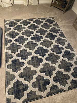 Wayfair 5 x 7 rug for Sale in Charlotte, NC