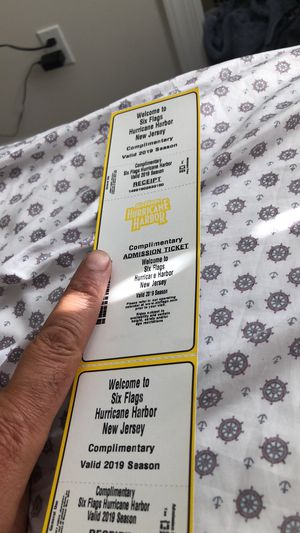 2 hurricane harbor water park tickets for Sale in Point Pleasant, NJ
