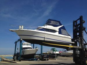 Freshwater Bayliner 2006 288 Discovery Command Bridge for Sale in Winthrop Harbor, IL