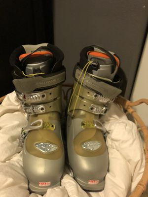 Salomon Ellipse Ski Boots Mondo 27.5 (Never worn) for Sale in Tacoma, WA