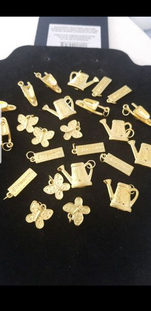 Gold charms fashion charms $2.00 each firm for Sale in Tracy, CA