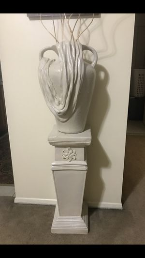 """2 pc set of 20"""" heavy cement vase free sticks with 30"""" tall pedestal still available for pick up in Gaithersburg md20877 for Sale in Gaithersburg, MD"""