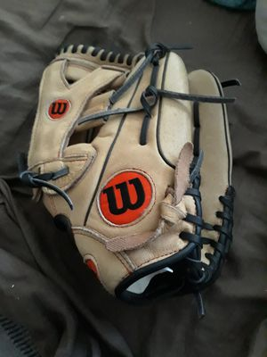 Youth Baseball Glove - Right hand for Sale in Tracy, CA