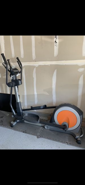 Brand New Nordic Track Elliptical in good condition with wall outlet charger. for Sale in Stone Ridge, VA