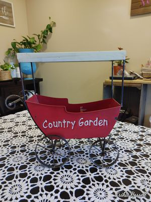 Garden flower pot for Sale in Fairfax, VA