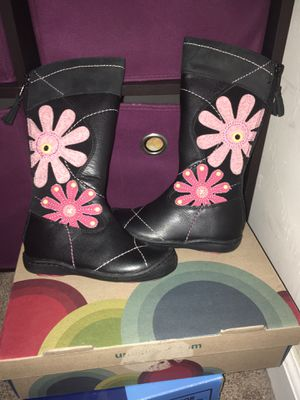 New Umi Boots girls size 8 for Sale in Chula Vista, CA