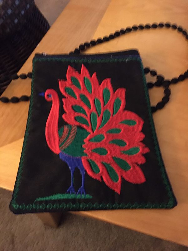 BEAUTIFUL UNIQUE CROSSOVER EMBROIDERED PEACOCK PURSE