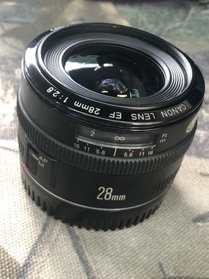 Canon 28mm wide-angle lens for Sale in Garland, TX