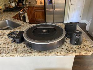 iRobot Roomba 870 Vacuum Cleaner - Program and Go! for Sale in Atlanta, GA