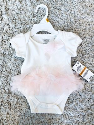Beautiful newborn girl outfit for Sale in Washington, DC