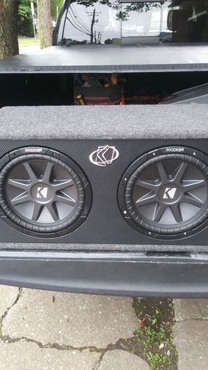 12 inch Kicker speakers and kicker ported box for Sale in Harrisburg, PA