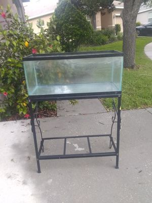 20 gallon long tank with black metal stand for Sale in Spring Hill, FL