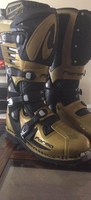 Forma Predator 2.0 MX Boots for Sale in San Luis Obispo, CA