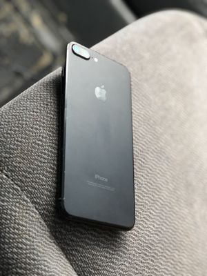 iPhone 7 Plus 128 gb unlocked for Sale in Wauconda, IL