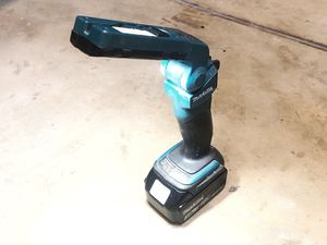 Makita LED Rechargeable Flashlight LXLM03 (with or without battery) for Sale in Roseville, CA