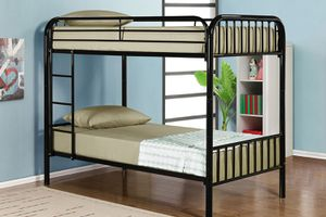 Full over full bunk bed divisible to 2 beds ( new ) for Sale in San Mateo, CA