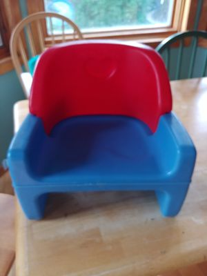 Booster seat for Sale in MINETONKA MLS, MN