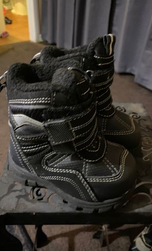 The Children's Place toddler baby size 5 snow boots for Sale in Torrance, CA