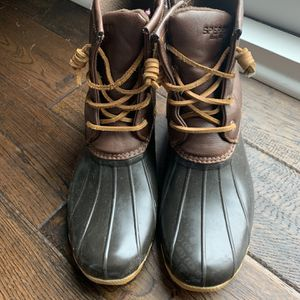 Girls size 6 Sperry duck boots for Sale in Brentwood, TN