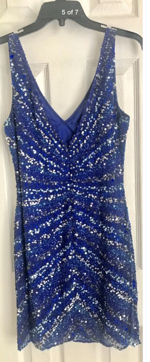 Cocktail Dress w/sequins Size 8 for Sale in Houston, TX