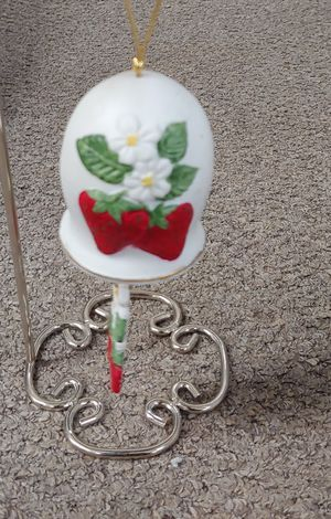 Vintage 1981 Jesco Strawberry Wind Chime for Sale in Burlington, NC
