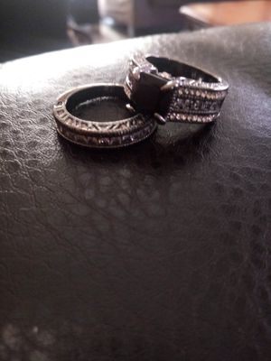 NEW UNIQUE WEDDING RING SET for Sale in Las Vegas, NV