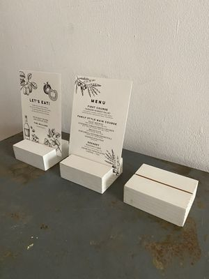 24 x White Wood Blocks Card Holders for Sale in Los Angeles, CA