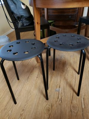 Small kitchen table, chairs and stools for Sale in Litchfield Park, AZ