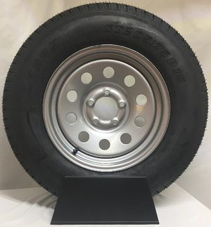3 like new trailer tires ST205-75-15. 5-5 bolt pattern for Sale in Bakersfield, CA