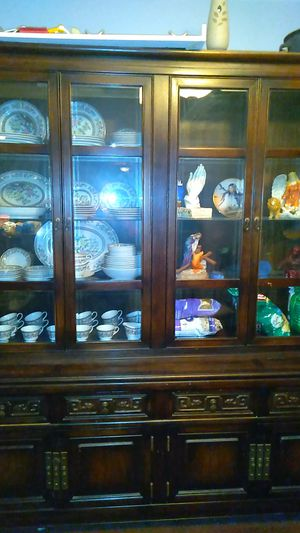 Old China closet, clean good condition for Sale in McKees Rocks, PA