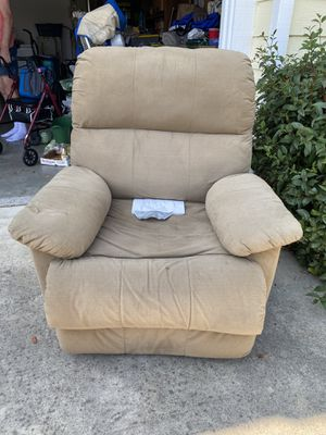 Recliner free for Sale in Gilroy, CA