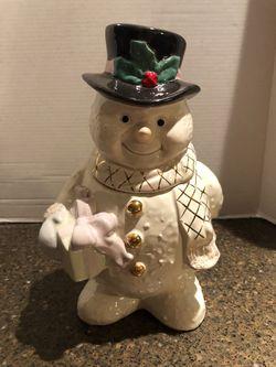 "Lenox The Snowman Christmas Cookie Jar 12"" for Sale in Manassas,  VA"